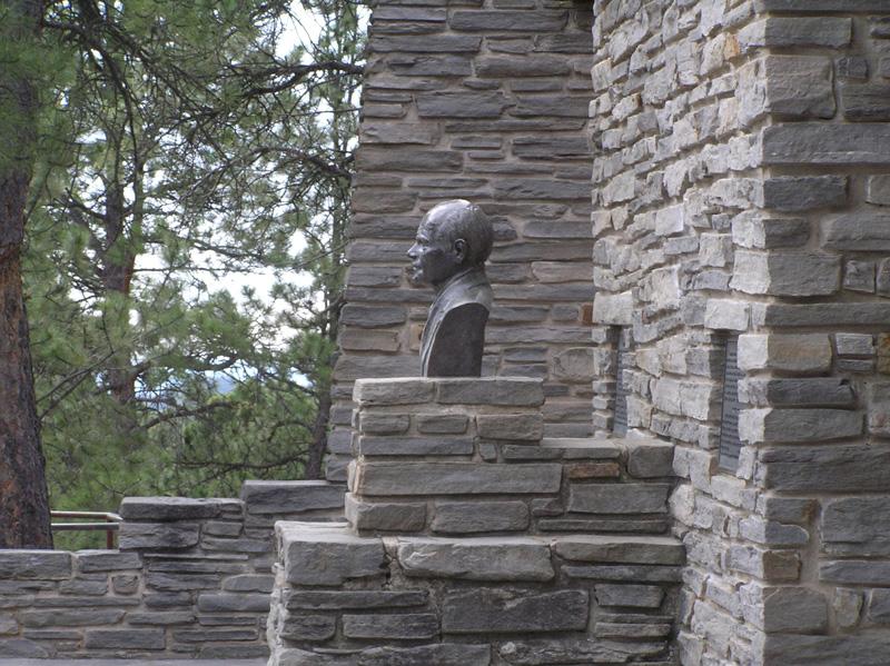Rushmore-Builder-1